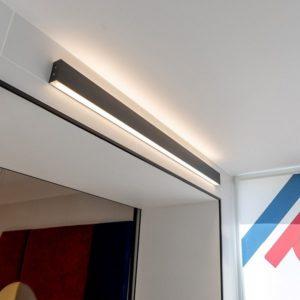 101-100-40-103 / Линейный светодиодный накладной двусторонний светильник 103см 40W 3000K черная шагрень a042917