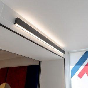 101-100-40-53 / Линейный светодиодный накладной двусторонний светильник 53см 20W 4200K черная шагрень a042924