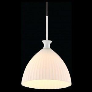 Фото 1 Подвесной светильник P702-PL-01-W в стиле модерн
